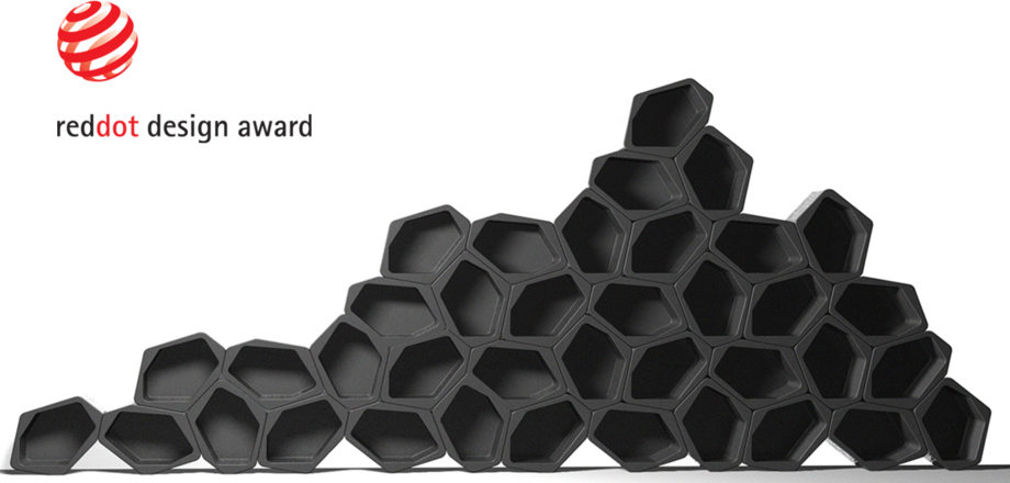 modular and flexible shelving units balck and white Movisi honeycomb wall