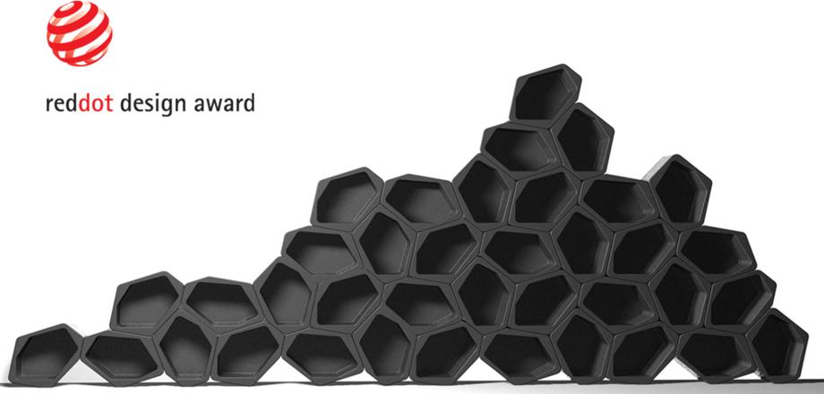 modular and flexible shelving units balck and white Movisi honeycomb wall